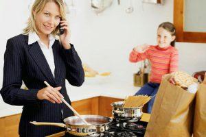 Factor económico, determinante en la inclusión de la mujer en la vida laboral